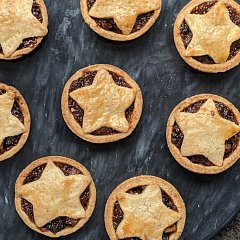 Reduced sugar mince pies