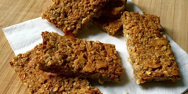 Healthy Xylitol Oat Bakes
